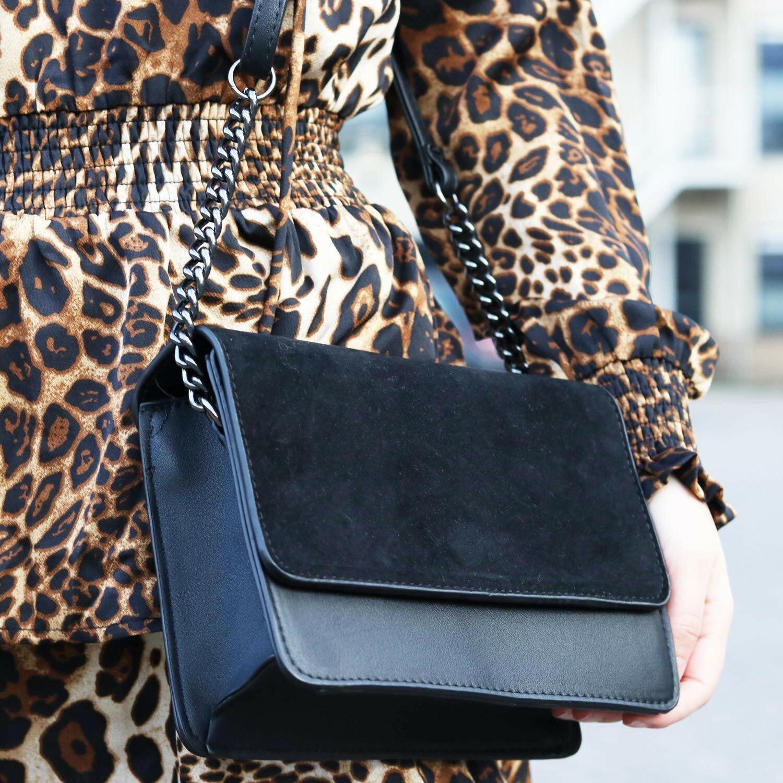 SOFT BLACK FOLDOVER BAG