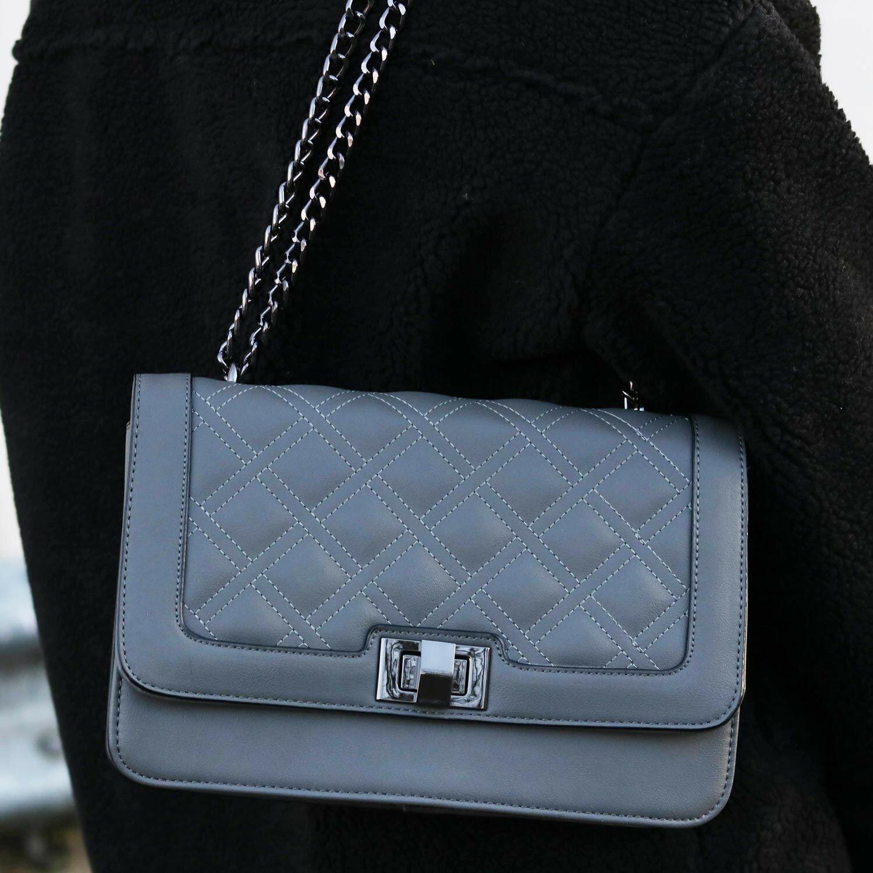 GREY DIAMOND QUILT BAG