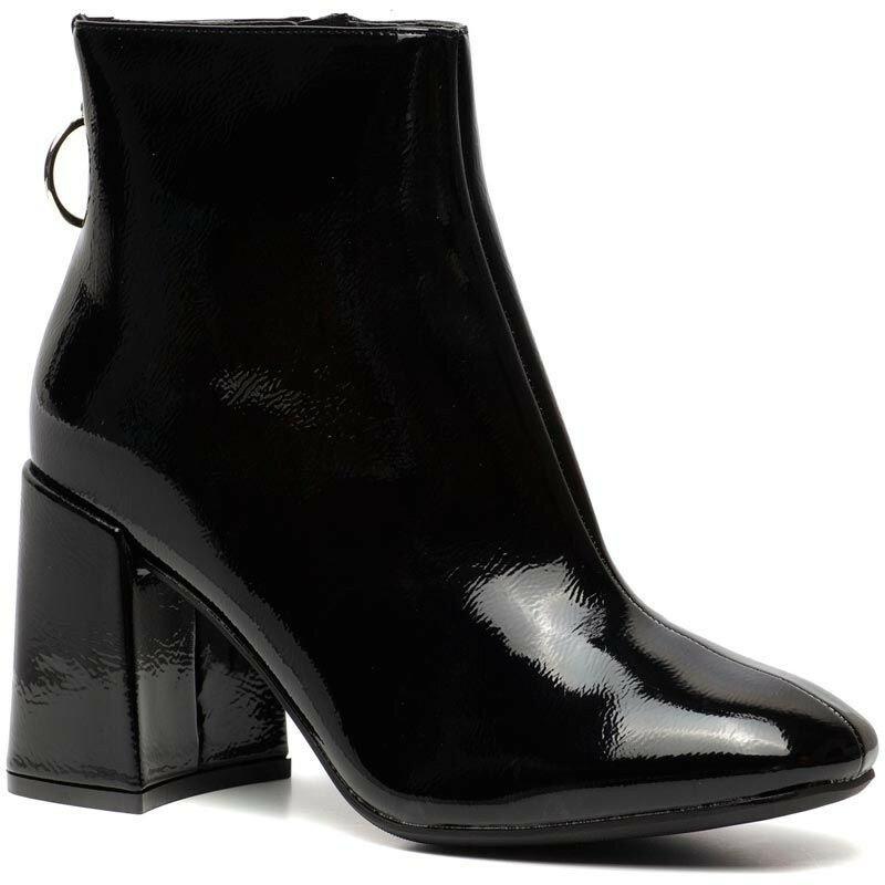 BLACK SHINY BOOTS