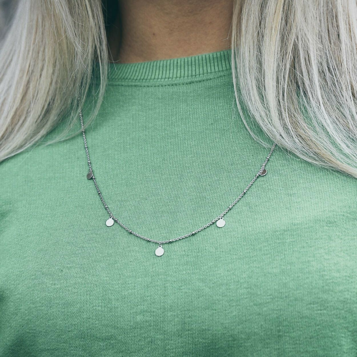 LONG SILVER CIRCLE NECKLACE