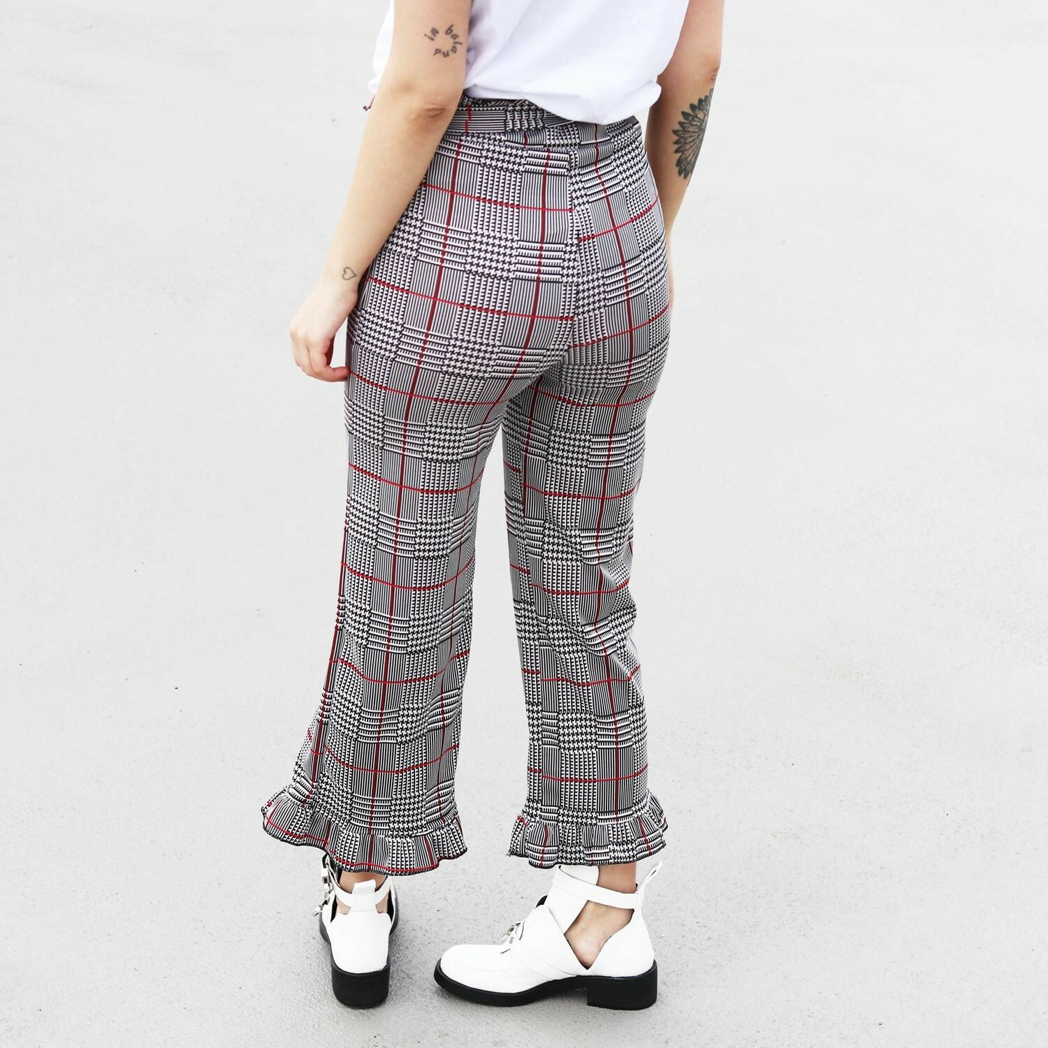 RED CHECKED RUFFLE TROUSERS