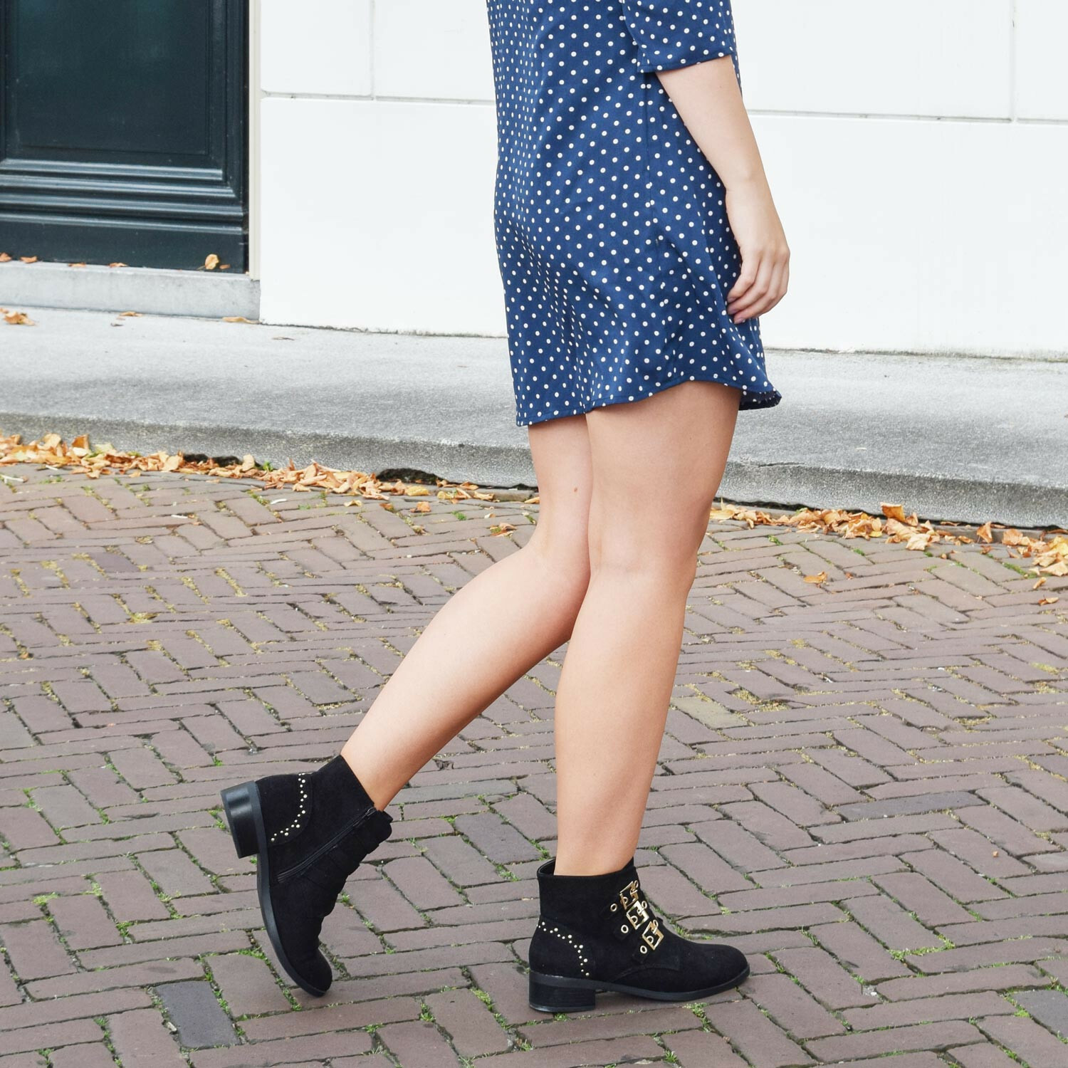 SOFT STUDDED BOOTIES
