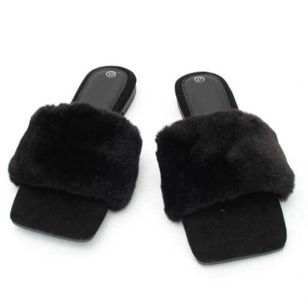 FLUFFY SLIPPERS ZWART
